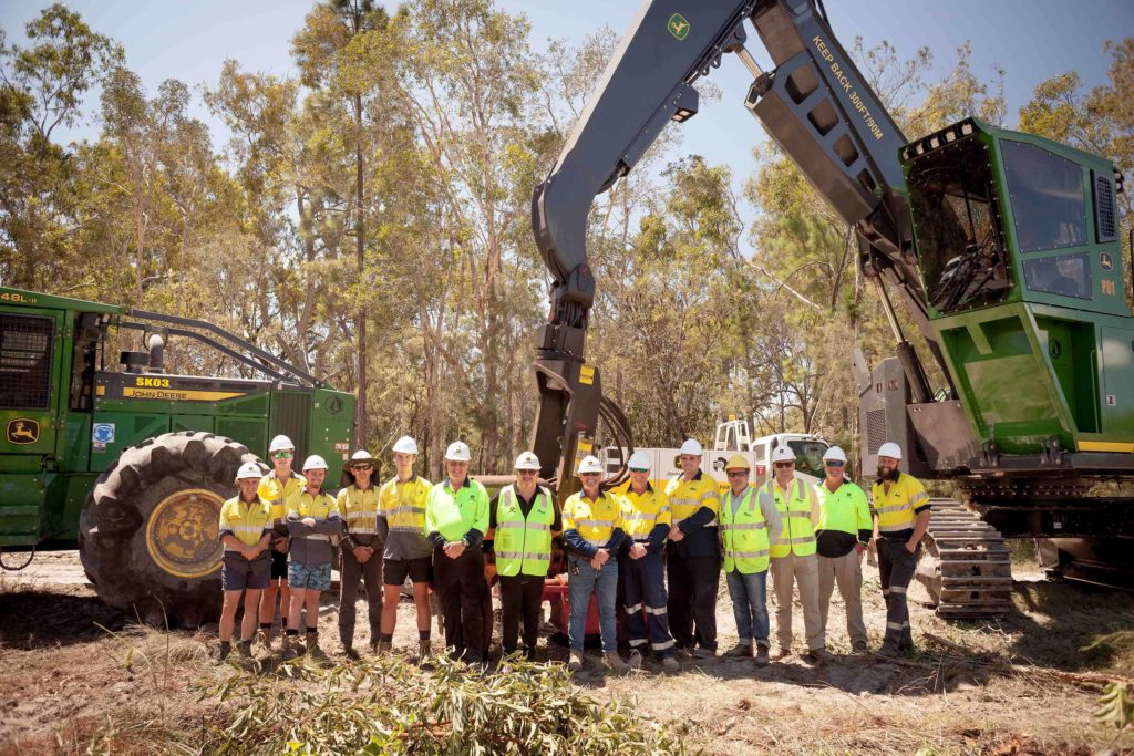 Sunchip, RDO Equipment and John Deere forestry equipment group photo