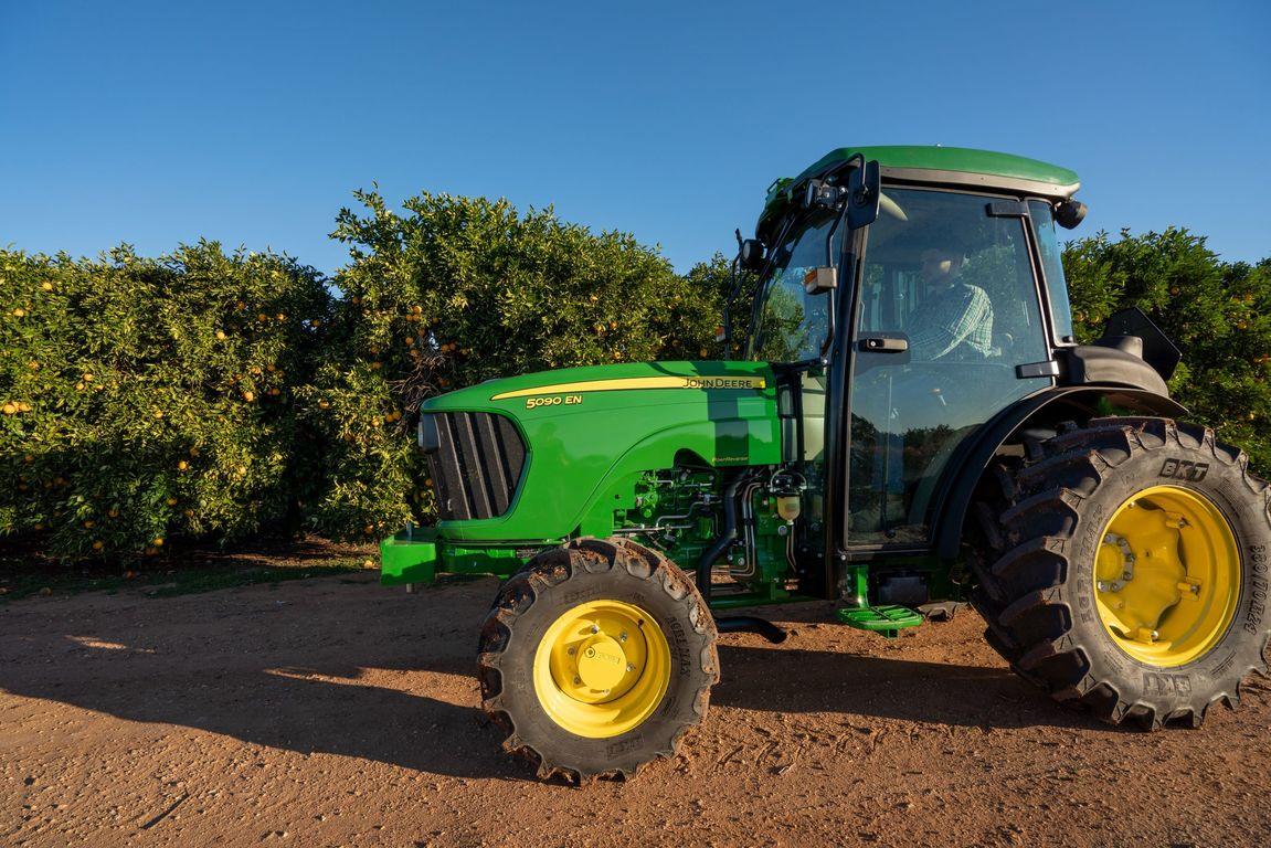 5090EN Tractor